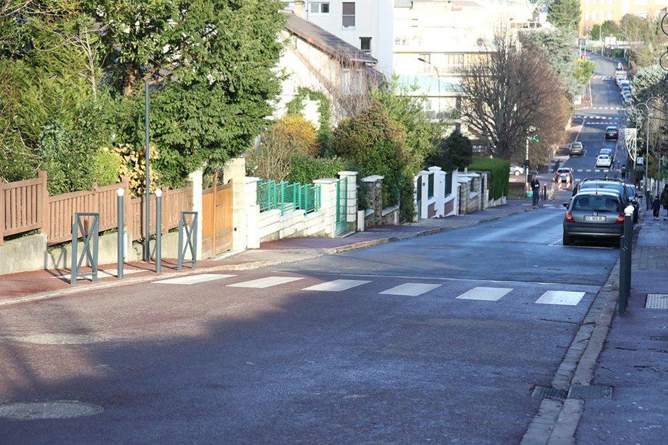 La descente de la rue Boucicaut vers l'avenue Maréchal Foch (Source: site internet de la ville de Fontenay-aux-Roses).